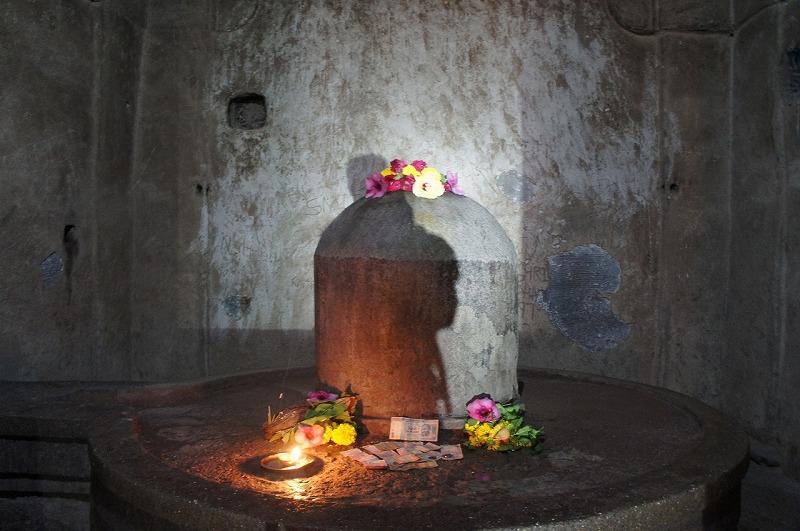カイラーサナータ寺院 リンガ