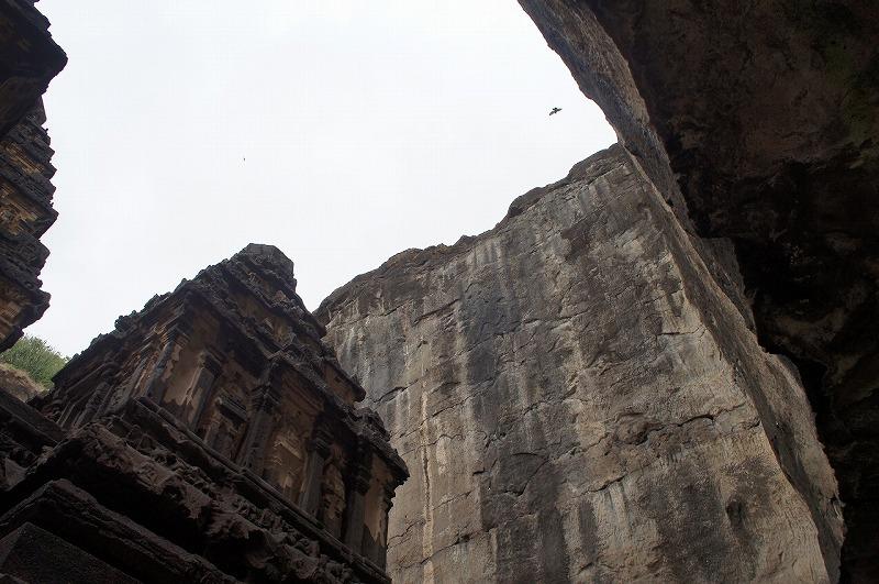 第16窟カイラーサナータ寺院