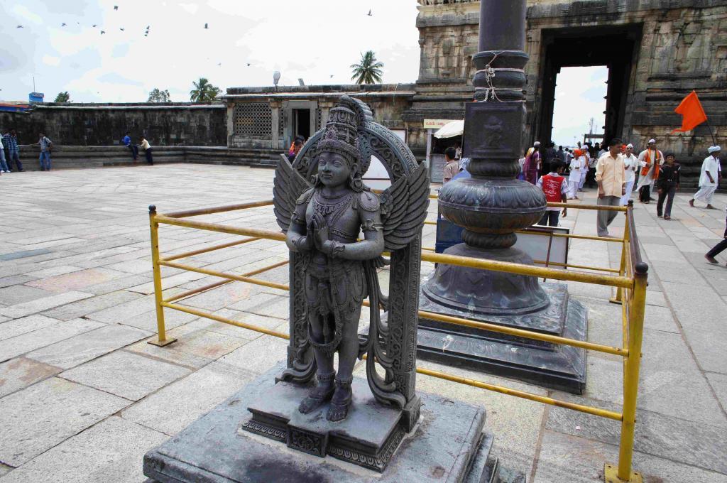 チェナケーシャヴァ寺院