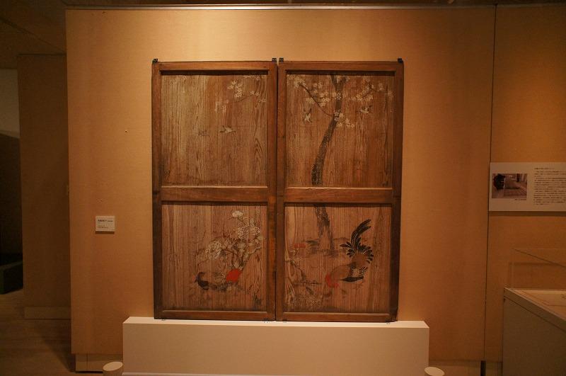重要文化財 桜鶏図板戸(花部屋南側)